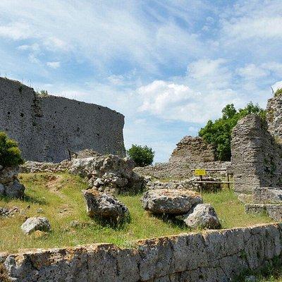 Antico tempio sulla sommità del promontorio di ansedonia