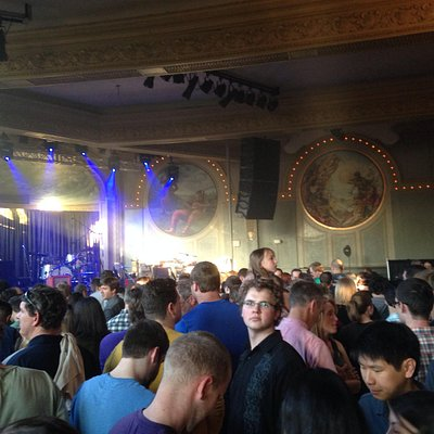 Crystal Ballroom: Gorgeous Venue