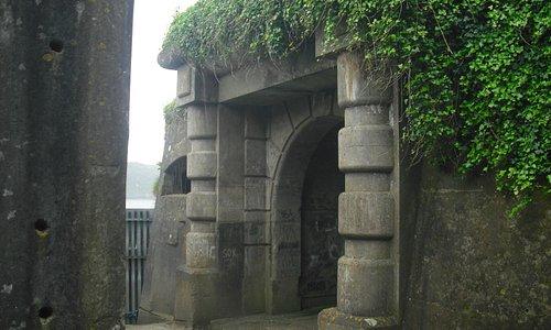 Courtyard gateway