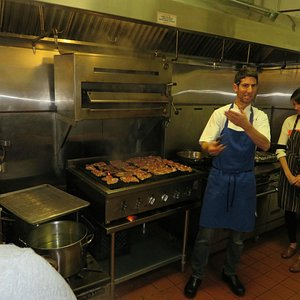 Jordan teaches the fine art of grilling chicken