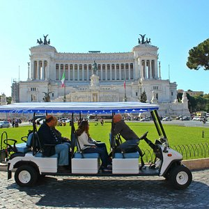 Rolling Rome - Rome by Golf-Cart Tour at Piazza Venezia