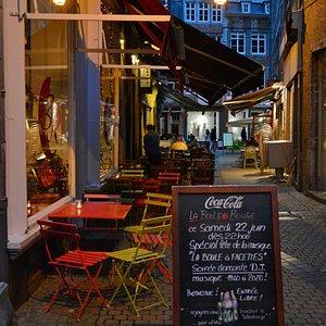 Petite terrasse dans le coeur du Vieux Namur