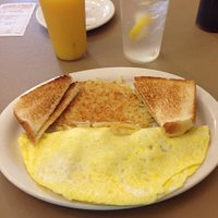 Ham and cheese omelette with Hashbrowns and toast