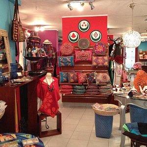 Oum El Dounia Gallery in Maadi