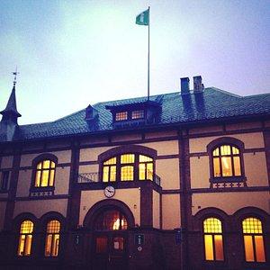 Gjøvikregionen Turistkontor er lokalisert i gamle Gjøvik Stasjon