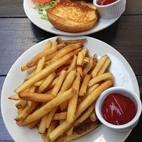 Cheeseburger with a side of fries (enough for 2 people)