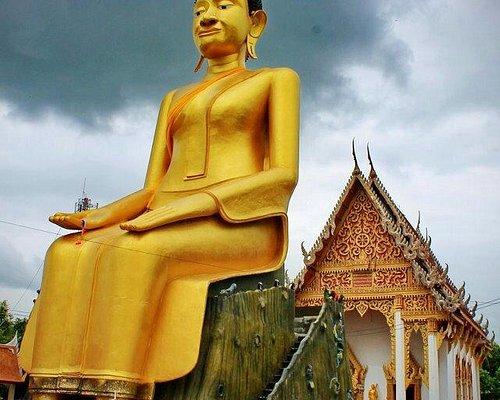 Giant lelay buddha image & ordination hall