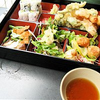 Lunch bento - shrimp and vegetable tampura
