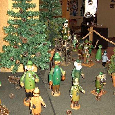 hunters as incense burner men
