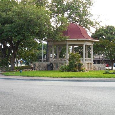 Plaza Gazebo