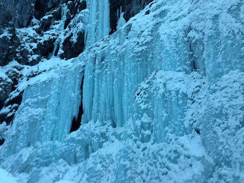 Cascata ghiacciata