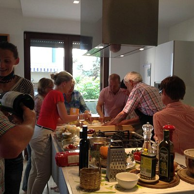Apulian conviviality and cooking
