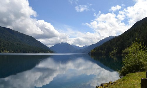 Lake crescent, words can't explain the beauty of this lake it's incredible.