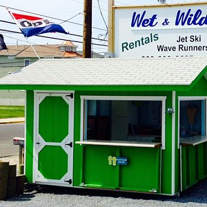 Look for the bright green booth in ocean city New Jersey for the best jet skiing in Oc!