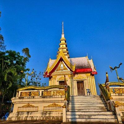 vue de coté du wat khlong museum