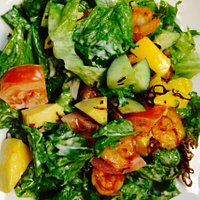 Mango salad with prawns