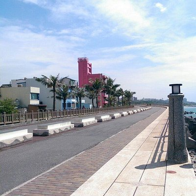 Bike path from nanbin to beibin park