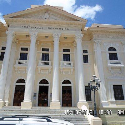 Frente do Museu do Comércio de Alagoas.