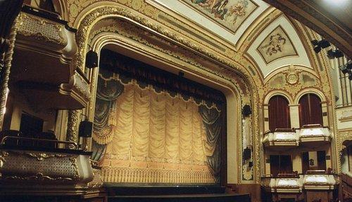 La scène principale - The main stage