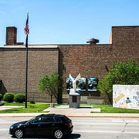 Reagan Peace Park  |   2nd Street and Galena Avenue, Dixon, IL 61021