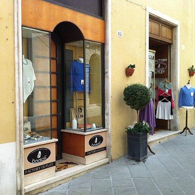 Nuova vetrina aggiuntiva per Spoleto