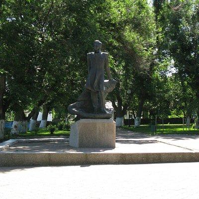 Лермонтов. Памятник.