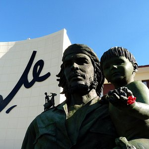 le Che devant le PCC de Santa Clara