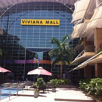 A huge mall - Viviana