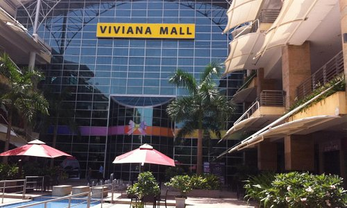 A huge mall - Viviana