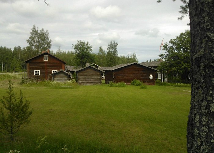 Buildings around a closed yard