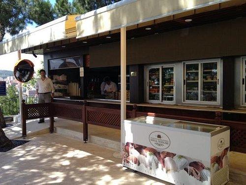 Cafe buffet self service