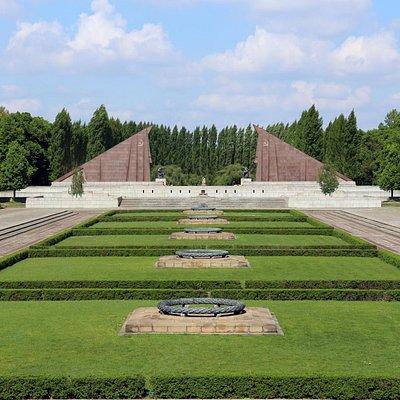 Vista do Monumento para o Jardim