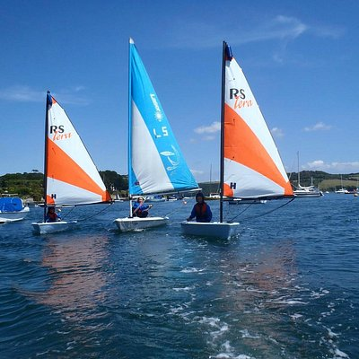 Sailing at Loe Beach