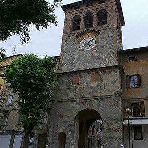 Vista della Torre Civica o dell'Orologio (foto Andrea Masini)