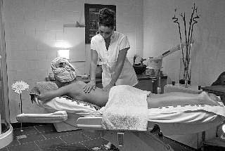 Soins corps (gommage, enveloppement, massage)