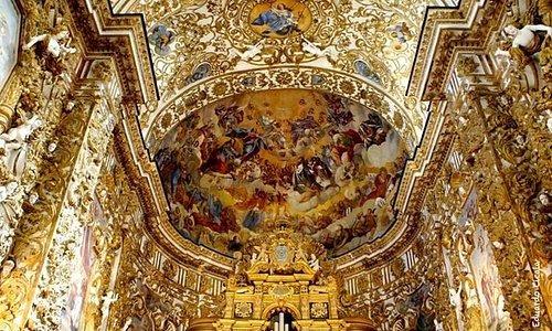 Meraviglioso presbiterio in stile rococó siciliano !!!