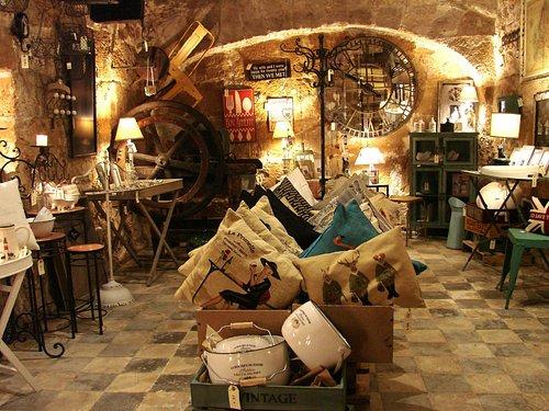 Interior de la tienda Forn dels Encants