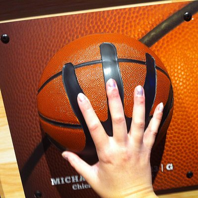 My grip compared to Michael Jordan's