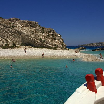 Close to perfection ... the turquoise water from Aspronisi