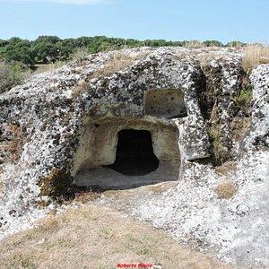 Necropoli di Pottu Codinu - Tombe