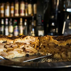 Apple pie - the first tour stop!