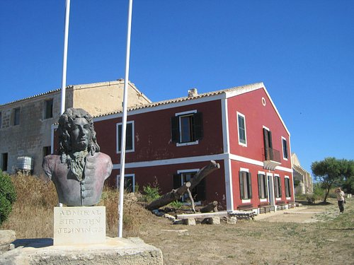 The governor's house with bust of the hospital's founder