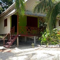 Jan Som Bay: beach bungalow