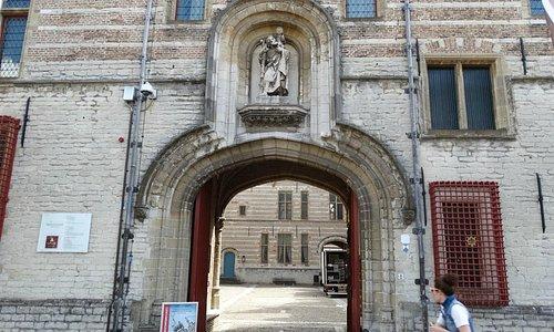 Het Markiezenhof ingang