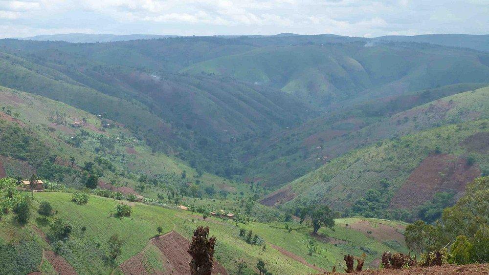 mountain hill temperature 16-24 C degree