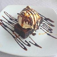 Chocolate Brownie & Ice cream MMM!!