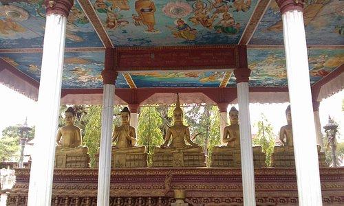 Un monastero vissuto e carico di magia e dolcezza