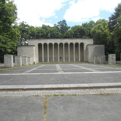 Luitpoldhain: Ehrenhalle (Hall of Honor)
