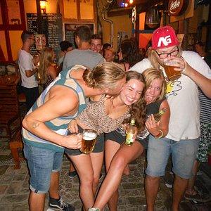 Free Pub Crawl Budapest