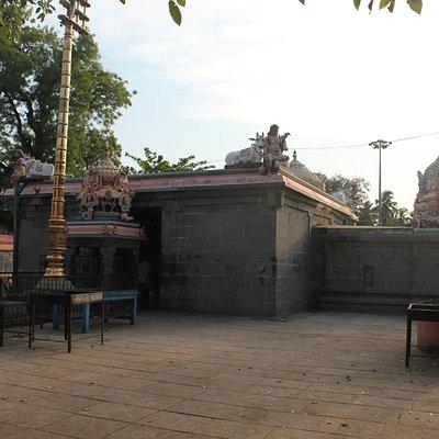 Irumbai Mahakaleshwar Temple